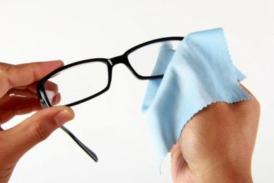 How to clean your glasses